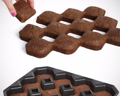 All Crispy Corners Brownie Pan