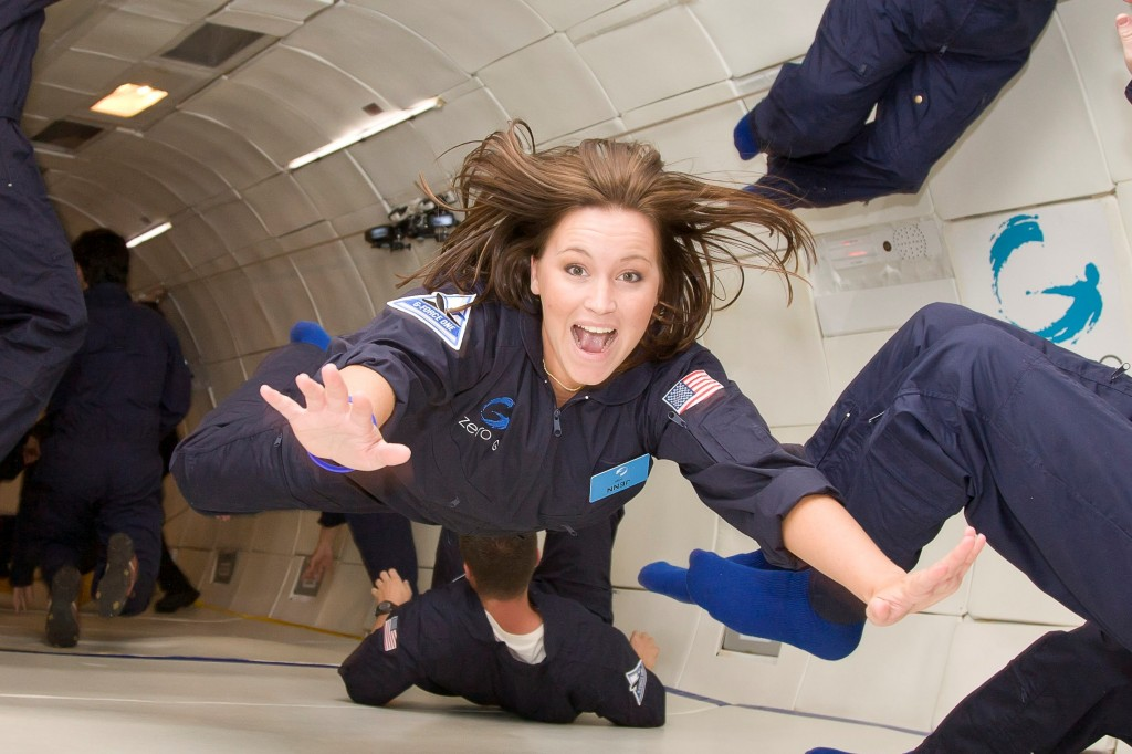 do astronauts in the space station experience gravity - photo #37