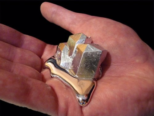 Pure Gallium - Gallium is a metal which almost instantly melts in your hand! It feels like mercury but is non-toxic.The perfect gift for physics students, science lovers