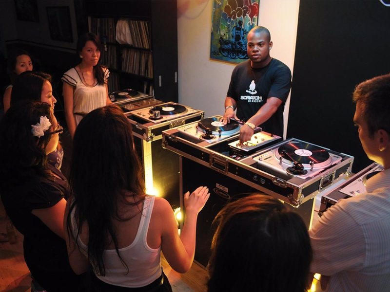 Learn to DJ - Learn to DJ from the leading provider of DJ courses - programs for a range of levels in 6 US cities