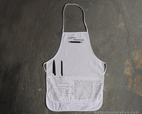 Make A Recipe Inspired Apron - Make the chef in your life this cute apron and showcase their favorite recipe (or yours!)