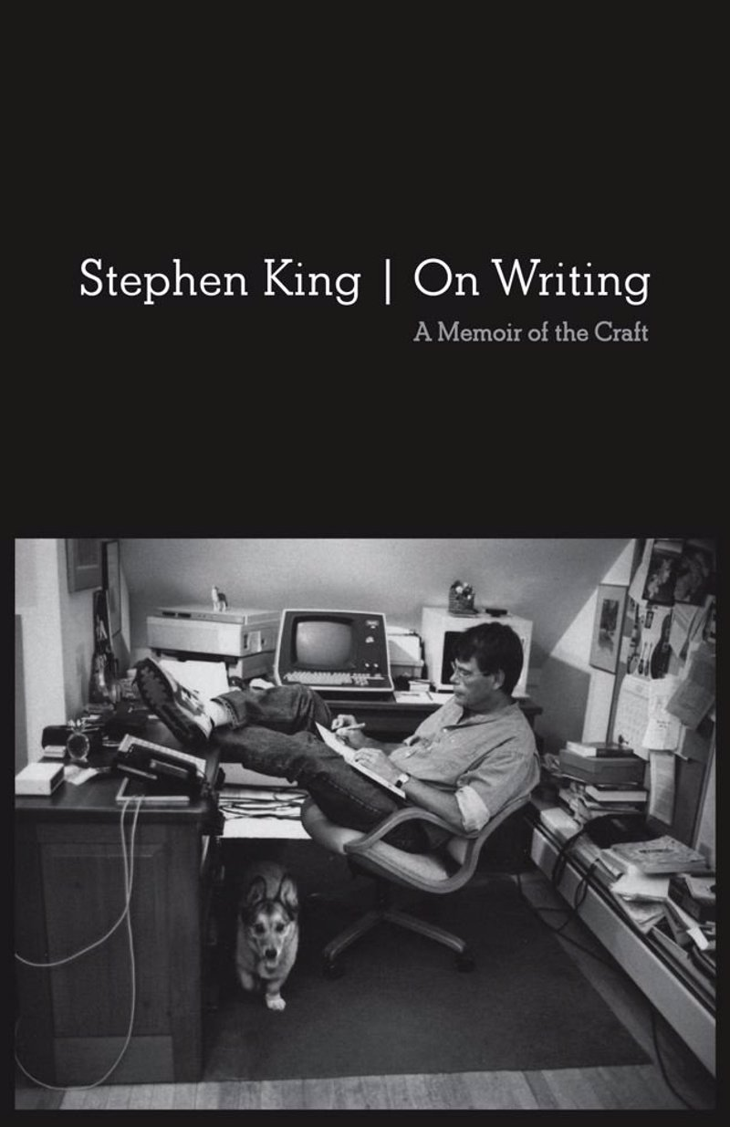 Stephen King: On Writing - A memoir and writing masterclass by one of the bestselling authors of all time, perfect for the aspiring writer or any Stephen King fan