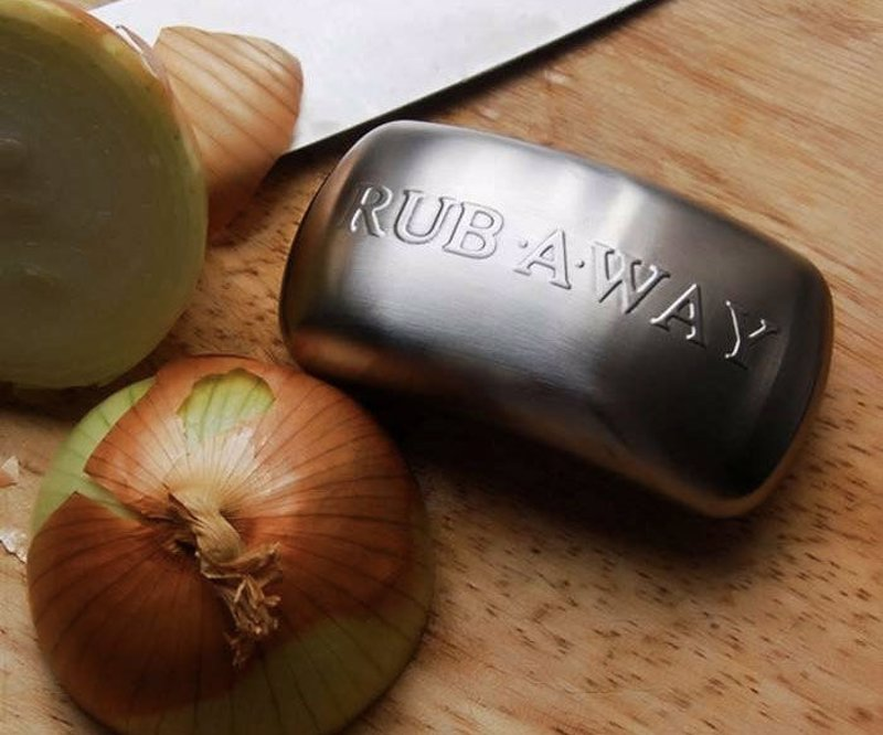 Cooks Odor Removing Steel Soap - Removed those persistent odors from your hands after working with onions, fish, or garlic