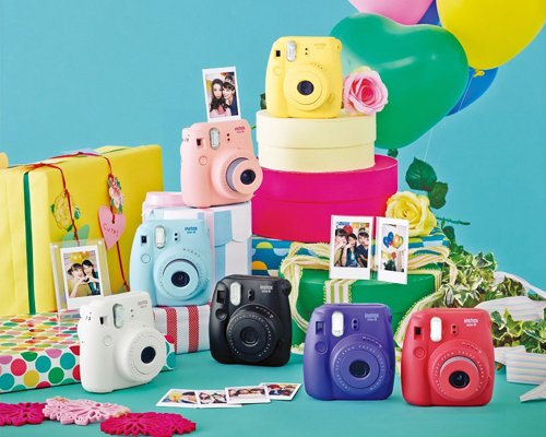 Fujifilm Instant Film Camera - Fun and easy to use instant film camera