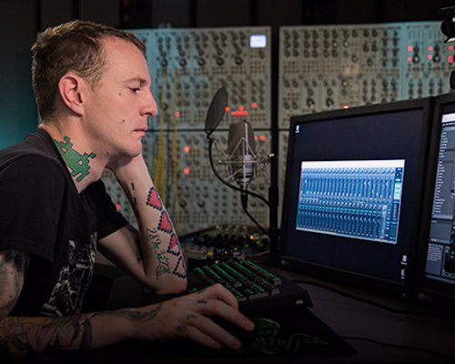 Deadmau5 Teaches Electronic Music Production - Online video lessons from the ground-breaking electronic music producer