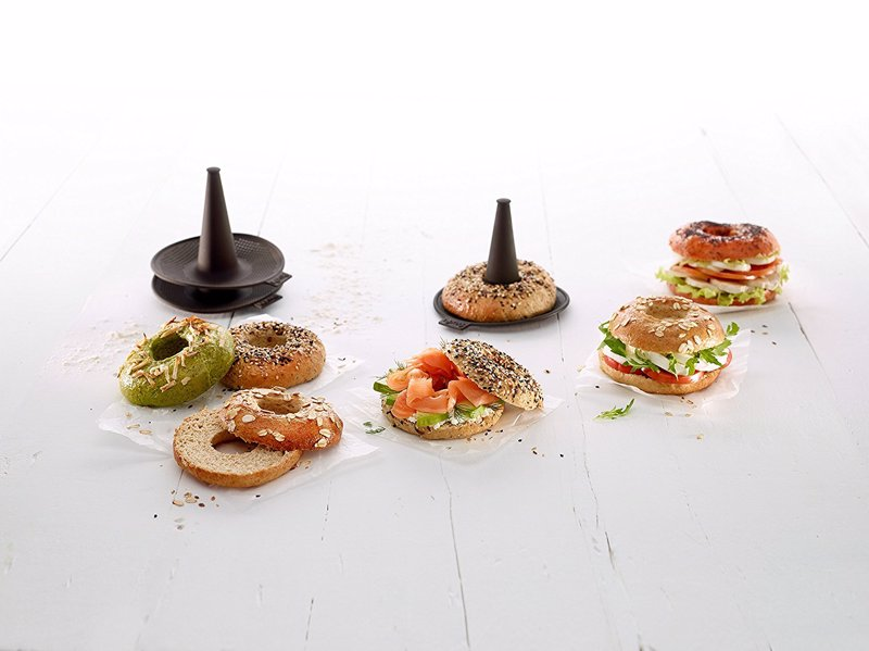 Lekue Bagel Maker with 6 Silicone Bagel Molds - Bake perfect, delicious, bagels with ease using these simple molds