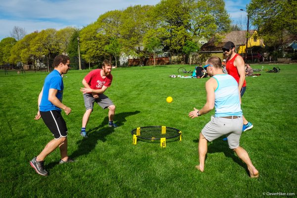 Spikeball Game Set - Perfect outdoor gift for the family, picnic, beach, tailgate, yard - As Seen on Shark Tank