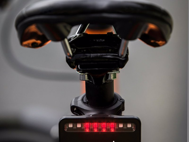 Garmin Varia Rearview Radar Tail Light - World's first cycling radar that warns approaching vehicles from up to 153 yards behind