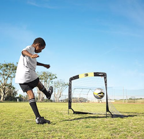Portable Soccer Goal - Foldable soccer goal that opens and closes in seconds