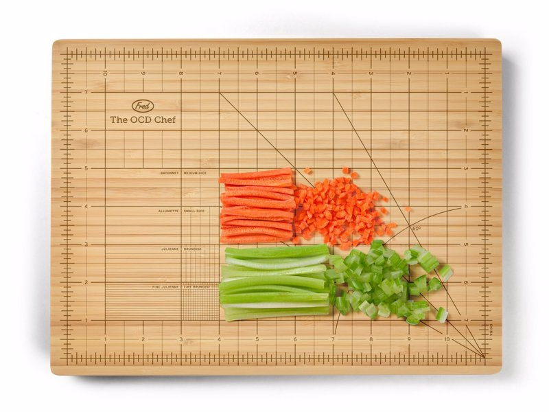 Cutting Board For The Obsessive Chef - A cutting board with guided chopping lines of different sizes, for the perfectionist chef