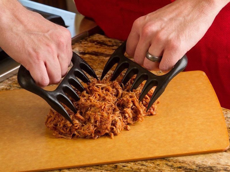 Bear Paws Pulled Pork Shredder Claws - The original and best tools for shredding meat